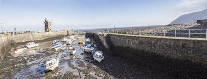 Puerto de Lynmouth con marea baja Imagen de archivo