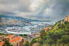 Puerto de Mónaco en el día de la oscuridad Monte Carlo imágenes de archivo libres de regalías