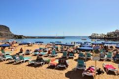 Puerto de Mogan公众海滩 西班牙 免版税库存照片