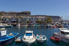PUERTO DE MOGAN, GRAN CANARIA - MARCH 17, 2015 - Boats in the ha royalty free stock image