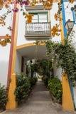 Puerto de Mogan, Gran Canaria in Spagna - 16 dicembre 2017: Casa da vendere in Puerto de Mogan, segno con per la vendita sul Fotografia Stock