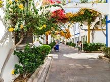 Puerto De Mogan, Hiszpania †'Styczeń 23, 2016: Ludzie cieszy się pięknego kurort Puerto De Mogan Gran Canaria, wyspy kanaryjska Obraz Stock