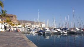Puerto de Mogan, Spanien - mars 2, 2019: Marina av den Puerto de Mogan byn i Gran Canaria, Spanien Berömt touristic lager videofilmer