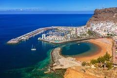 Puerto de Mogan stad på Gran Canaria Arkivbilder