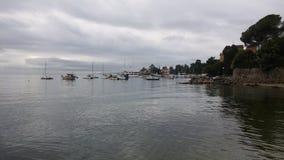 Puerto de Opatija, Croacia, en un día nublado Fotos de archivo libres de regalías