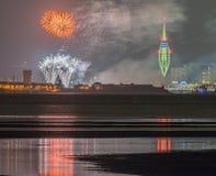 Puerto de Portsmouth, fuegos artificiales de los muelles de Gunwharf Fotografía de archivo