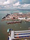 Puerto de Portsmouth y astillero naval Foto de archivo libre de regalías