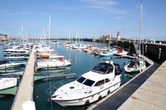 Puerto de Ramsgate y casa ligera Foto de archivo