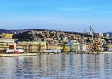 Puerto de Rijeka en enero fotografía de archivo