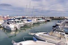 Puerto de Saintes-Maries-de-la-Mer en Francia imagen de archivo libre de regalías