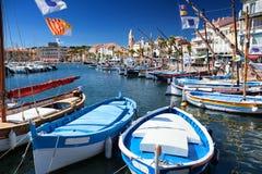 Puerto de Sanary en el dAzur de Cote en Francia imágenes de archivo libres de regalías