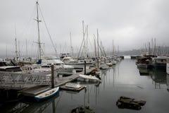 Puerto de Sausalito en día cubierto fotografía de archivo libre de regalías
