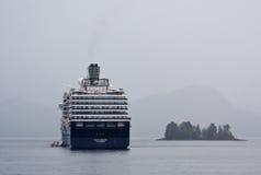 Puerto de Sitka de la nave de Holanda América Imagen de archivo libre de regalías