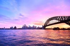 Puerto de Sydney en la oscuridad Imágenes de archivo libres de regalías