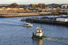 Puerto de tamaño insuficiente de Nueva York del remolcador del remolcador Foto de archivo