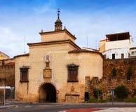 Puerto de Trujillo - старый строб города на Plasencia Стоковая Фотография RF