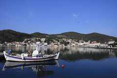 Puerto de Vathi en la isla de Ithaki Imagen de archivo libre de regalías
