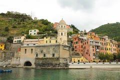 Puerto de Vernazza, Cinque Terre, Italien lizenzfreie stockfotos