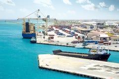 Puerto del cargo en Aruba fotografía de archivo libre de regalías