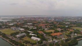 Puerto del cargo y del pasajero en Surabaya, Java, Indonesia almacen de metraje de vídeo