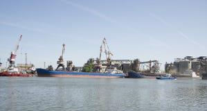 Puerto del grano en el río Don. Imágenes de archivo libres de regalías
