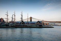 Puerto del sur de la calle, embarcadero 17 en NYC foto de archivo