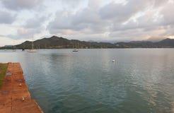 Puerto deportivo bajo del Cuerpo del Marines de Kaneohe Imagenes de archivo
