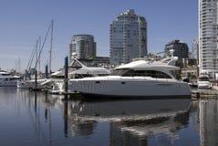 Puerto deportivo céntrico foto de archivo libre de regalías