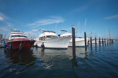 Puerto deportivo con los barcos Imagenes de archivo