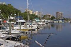 Puerto deportivo a continuación Fotografía de archivo libre de regalías
