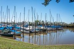 Puerto deportivo de Buenos Aires, día azul del verano, la Argentina Fotos de archivo