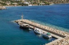 Puerto deportivo de cantos rodados Foto de archivo