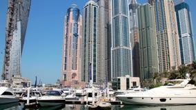 Puerto deportivo de Dubai almacen de metraje de vídeo