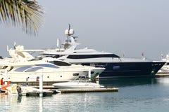 Puerto deportivo de Dubai con los barcos Imagen de archivo libre de regalías
