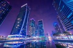 Puerto deportivo de Dubai y JLT Fotos de archivo libres de regalías
