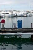 Puerto deportivo de la estación del surtidor de gasolina Foto de archivo libre de regalías