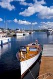 Puerto deportivo de madera clásico del barco Fotos de archivo