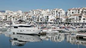 Puerto deportivo de Marbella, España metrajes