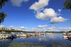 Puerto deportivo en Finlandia Foto de archivo