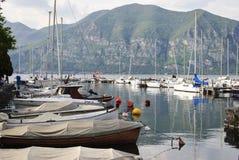 Puerto deportivo en Iseo Imágenes de archivo libres de regalías
