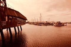 Puerto deportivo en la oscuridad Imagenes de archivo