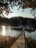 Puerto deportivo en la salida del sol Imagen de archivo libre de regalías