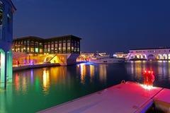 Puerto deportivo en Limassol por noche Fotos de archivo libres de regalías