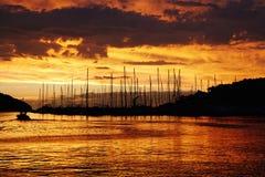 Puerto deportivo en puesta del sol Fotografía de archivo