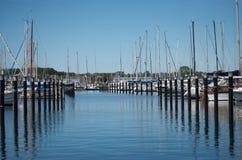 Puerto deportivo en Schilksee, Kiel, con algunos barcos Imagen de archivo libre de regalías