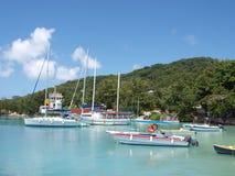 Puerto deportivo en Seychelles Foto de archivo