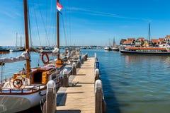 Puerto deportivo en Volendam Países Bajos imagen de archivo libre de regalías