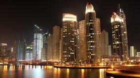 Puerto deportivo fantástico de Dubai de la noche metrajes