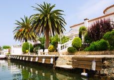 Puerto deportivo residencial en Empuriabrava, España Imagen de archivo