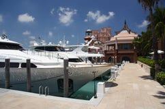 Puerto deportivo y centro turístico de lujo fotografía de archivo libre de regalías